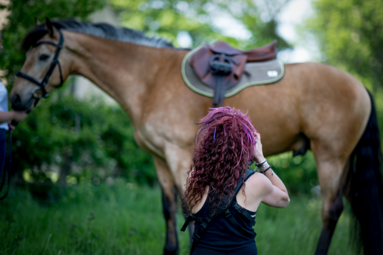Horse Portrait Photographer Emma Ziff_Behind the scenes_04